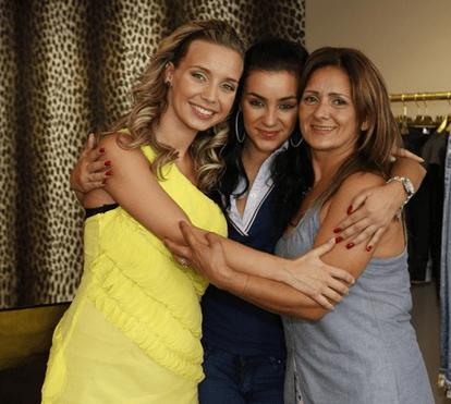 """Mãe de Luciana cala a filha com atestado que comprova """"depressão grave"""""""