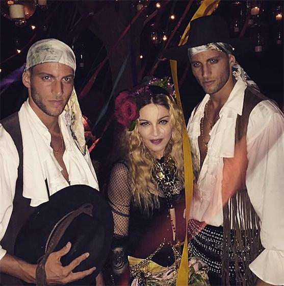 Kevin Sampaio muito próximo de Madonna