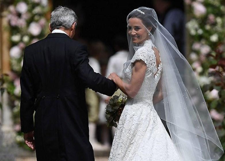 Veja o vestido de Pippa Middleton