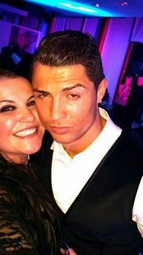 Ronaldo e Katia Aveiro fazem as pazes durante férias em Ibiza