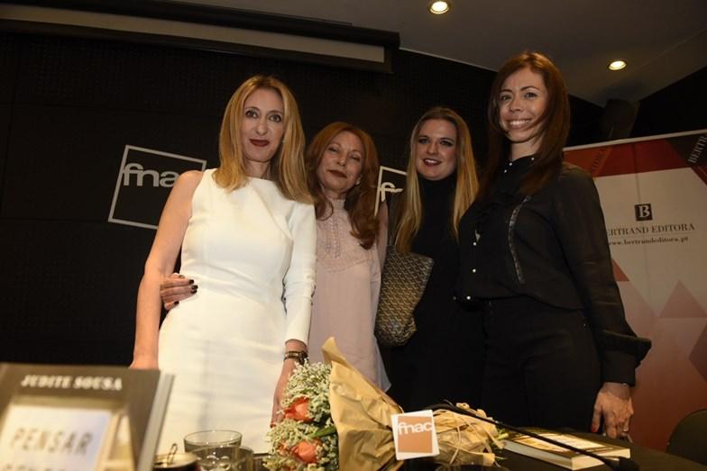 Judite Sousa com as amigas