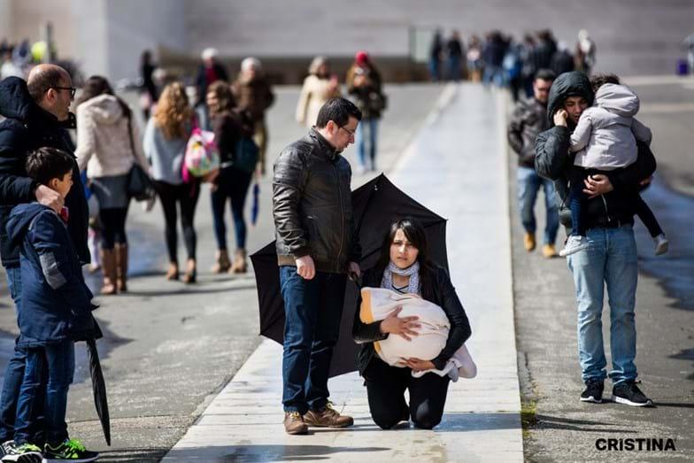 Cristina Ferreira tem estado próxima dos peregrinos e tem feito várias fotografias de momentos de fé
