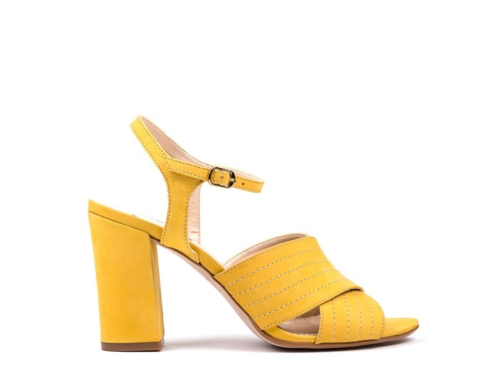 Sandálias amarelas Zilian, €79,90