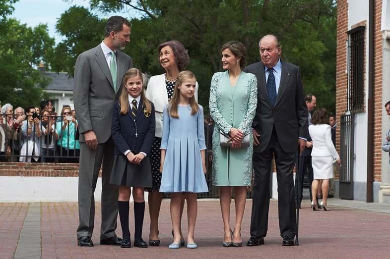 Os reis eméritos de Espanha, Juan Carlos e Sofia, também estiveram presentes na cerimónia religiosa