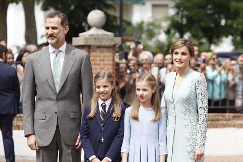 A roupa de Letizia volta a ser de Felipe Varela