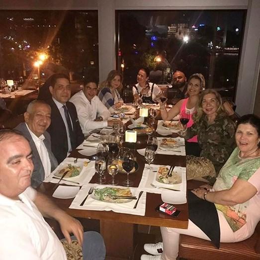 """O jantar com a """"comitiva"""" de apoio no Cairo"""