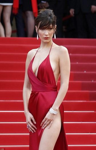 Bella Hadid na edição do ano passado do Festival de Cannes