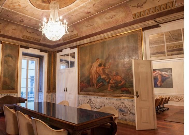 Um dos salões que Madonna visitou e de que gostou. Para a semana será a vez do músico Phil Collins visitar e decidir se compra ou não.