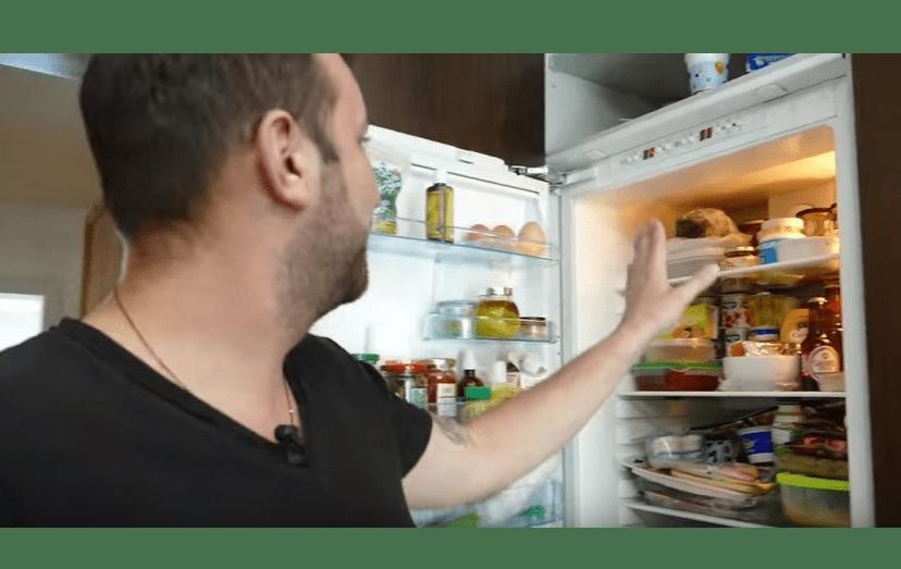 """Ljubomir assume que o seu frigorífico está desarrumado: """"Não está preparado para filmagens""""."""