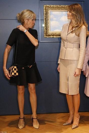Melania Trump foi considerada a mais bem vestida e um exemplo a ser seguido pela francesa