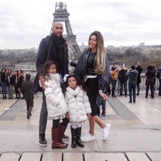 Luisão numas férias de família em Paris
