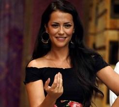 Sofia Ribeiro diverte-se em dança atrevida com Pedro Barroso