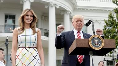 Melania e Ivanka Trump dão nas vistas em piquenique nos jardins da Casa Branca