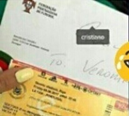 Na semana em que nasceram os gémeos, morenaça diz que recebeu convite pessoal de Cristiano para ver jogo da Seleção