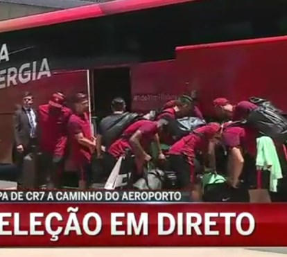 Chegada da seleção nacional ao aeroporto de Lisboa