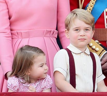 George e Charlotte roubam protagonismo à rainha Isabel II e aos pais
