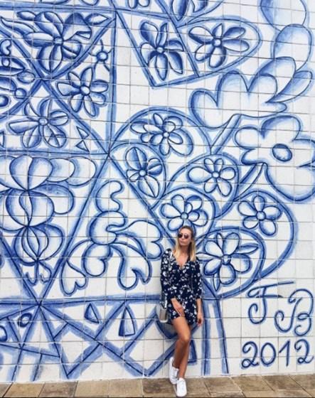 Sofia Arruda vive paixão no Brasil