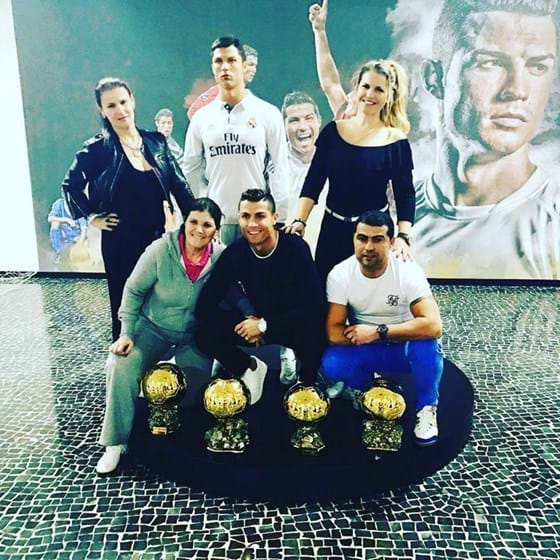 Cristiano Ronaldo tem um enorme carinho pelo irmão Hugo, a quem ajudou a recuperar a vida