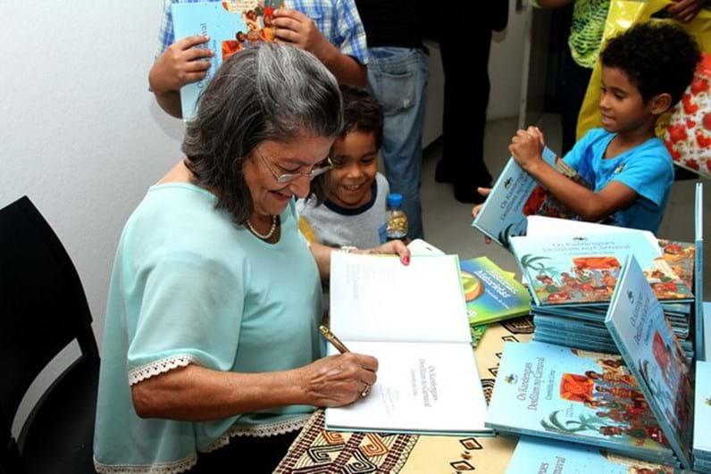 Autores na Feira do Livro, sábado, dia 10 de junho