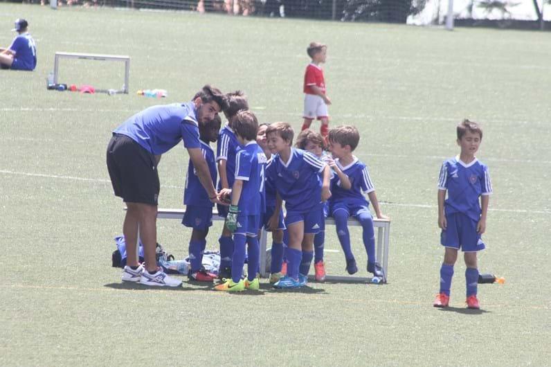 Filho de Katia Aveiro segue os passos do tio Cristiano e já marca golos com a camisola 7