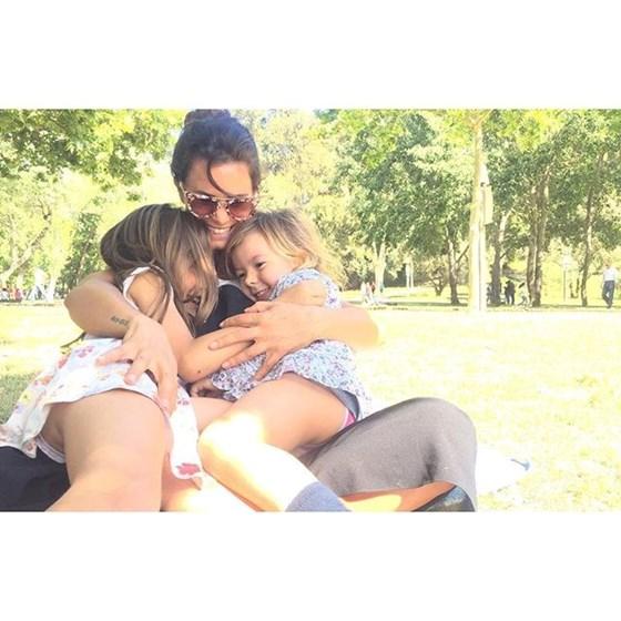 Cláudia Vieira feliz em família