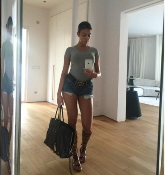 Georgina Rodriguez não larga os calções