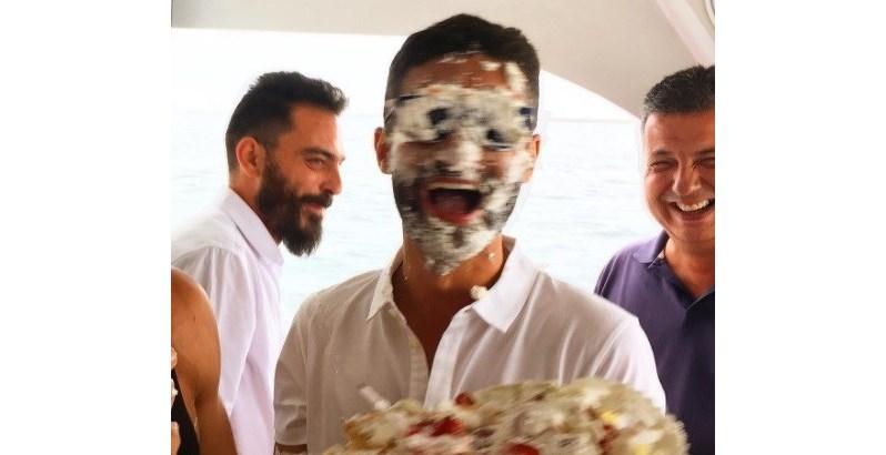 Diretor de elenco de 'Ouro Verde' é surpreendido no aniversário
