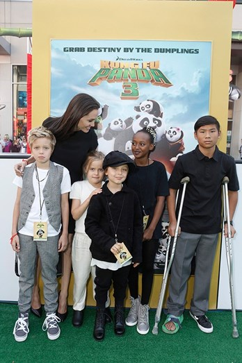 Angelina Jolie e os filhos