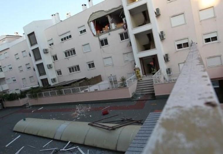Em 2011, uma explosão de gás, fez desaparecer o apartamento da atriz em Algés