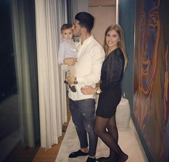 Pizzi e Maria Barros Ferreira com o pequeno Afonso