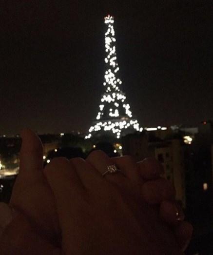 O pedido de casamento de Pizzi aconteceu em Paris, sob a luz da Torre Eifel