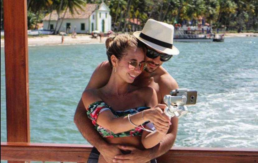 Sofia Arruda ao lado do namorado, David Amaro, nas suas férias de sonho ao Brasil
