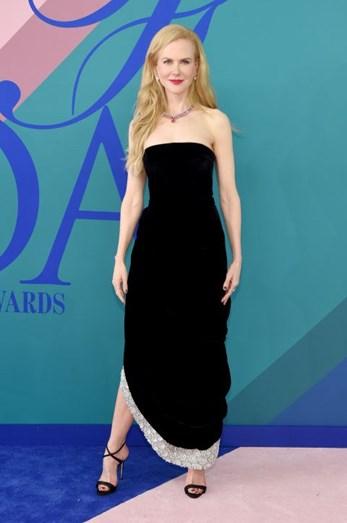 Oscar de la Renta e Giuseppe Zanotti foram as escolhas de Nicole Kidman