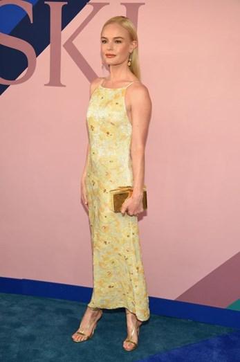 Kate Bosworth, vestido Brock Collection e sapatos Aquazzura