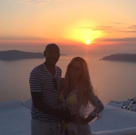 O primeiro dia de Luisão e Brenda em Santorini