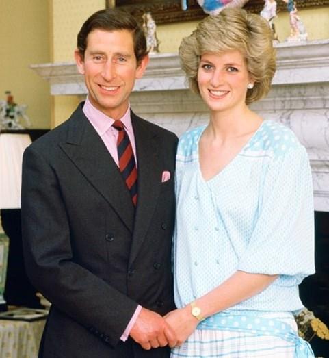 Quando subiu ao altar Diana apenas procurava Camilla Parker Bowles