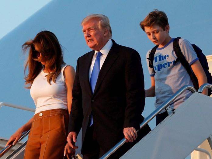 Melania e Donald Trump com o filho Barron
