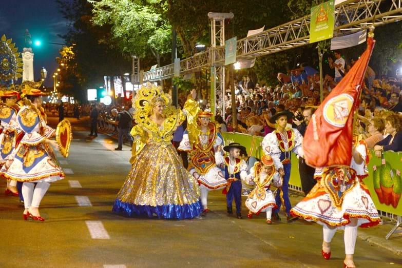 Cinha Jardim, a madrinha da marcha de Alfama, contou-nos que este foi o seu último desfile na Avenida