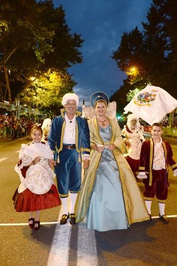Ricardo Carriço e Maria Botelho Moniz foram os padrinhos da marcha da Santa Casa