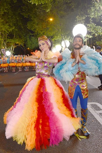 Filipa Cardoso e Ricardo de Sá foram os padrinhos da marcha do Alto do Pina