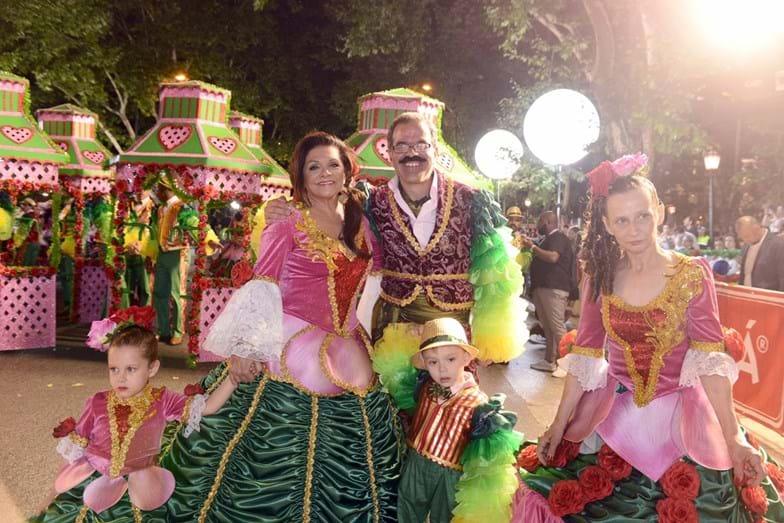 Rita Ribeiro e Tiago Torres da Silva desfilaram pela marcha da Bica