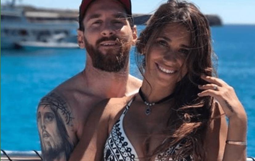Lionel Messi e Antonella Roccuzzo em Ibiza