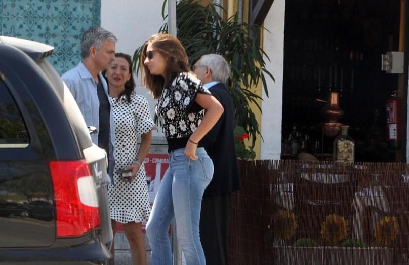 Mourinho em Setúbal com a mulher e a filha, ambas Matilde, em 2015