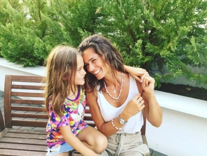 Cláudia Vieira recebe declaração de amor do namorado