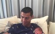 Cristiano Ronaldo fala pela primeira vez dos gémeos