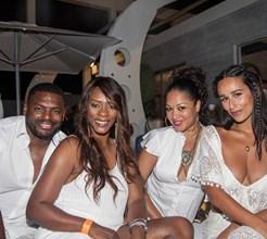 Sensualidade e estrelas internacionais na inauguração do luxuoso Blanco Beach Club