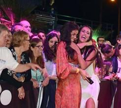 Gritos e loucura entre Sofia Ribeiro e Rita Pereira na passadeira vermelha