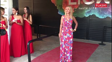 Judite Sousa feliz na festa de verão da TVI, em Vilamoura