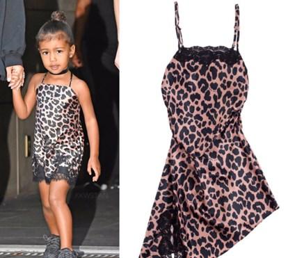 Kim Kardashian arrasada por vender roupas sexy... para crianças!