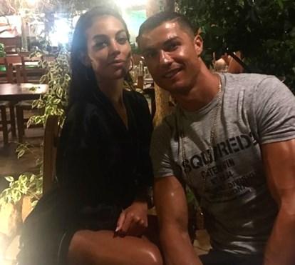 Depois das férias em Ibiza, Ronaldo já está em Lisboa com os gémeos